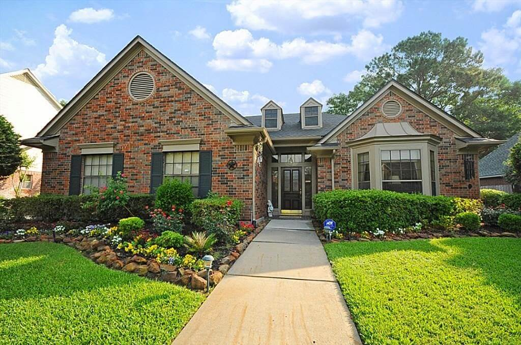 Celebrate Your Home Exterior with The National Curb Appeal Month in August!